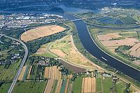 Kreetsand: EUROPA, DEUTSCHLAND, HAMBURG 22.08.2004:   Tiedeelbe Konzept Kreetsand, Hamburg Port Authority (HPA), soll auf der Ostseite der Elbinsel Wilhelmsburg zusaetzlichen Flutraum für die Elbe schaffen. Das Tidevolumen wird durch diese strombauliche Massnahme vergroessert und der Tidehub reduziert. Gleichzeitig ergeben sich neue Moeglichkeiten für eine integrative Planung und Umsetzung verschiedenster Interessen und Belange aus Hochwasserschutz, Hafennutzung, Wasserwirtschaft, Naturschutz und Naherholung.