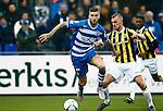 Nederland, Zwolle, 18 oktober 2015<br /> Eredivisie<br /> Seizoen 2015-2016<br /> PEC Zwolle-Vitesse<br /> Lars Veldwijk (l.) van PEC Zwolle en Maikel van der Werff van Vitesse strijden om de bal