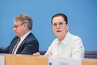 """Bundesgesundheitsminister Jens Spahn (CDU) stellte am Montag den 1. April 2019 mit den Bundestagsabgeordneten Georg Nuesslein (CDU/CSU), Prof. Karl Lauterbach (SPD) und Petra Sitte (Linkspartei) in Berlin den Gesetzentwurf """"Organspende - doppelte Widerspruchsloesung"""" vor.<br /> Im Bild vlnr.: Georg Nuesslein, Petra Sitte.<br /> 1.4.2019, Berlin<br /> Copyright: Christian-Ditsch.de<br /> [Inhaltsveraendernde Manipulation des Fotos nur nach ausdruecklicher Genehmigung des Fotografen. Vereinbarungen ueber Abtretung von Persoenlichkeitsrechten/Model Release der abgebildeten Person/Personen liegen nicht vor. NO MODEL RELEASE! Nur fuer Redaktionelle Zwecke. Don't publish without copyright Christian-Ditsch.de, Veroeffentlichung nur mit Fotografennennung, sowie gegen Honorar, MwSt. und Beleg. Konto: I N G - D i B a, IBAN DE58500105175400192269, BIC INGDDEFFXXX, Kontakt: post@christian-ditsch.de<br /> Bei der Bearbeitung der Dateiinformationen darf die Urheberkennzeichnung in den EXIF- und  IPTC-Daten nicht entfernt werden, diese sind in digitalen Medien nach §95c UrhG rechtlich geschuetzt. Der Urhebervermerk wird gemaess §13 UrhG verlangt.]"""