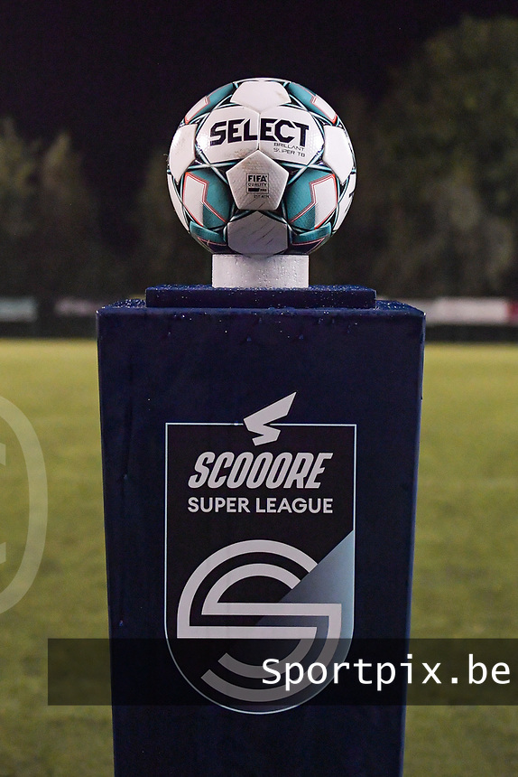 matchball pictured during a female soccer game between  Racing Genk Ladies and Oud Heverlee Leuven on the fourth matchday of the 2020 - 2021 season of Belgian Scooore Womens Super League , friday 9 th of October 2020  in Genk , Belgium . PHOTO SPORTPIX.BE | SPP | STIJN AUDOOREN