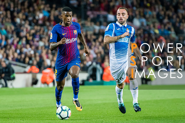 Nelson Cabral Semedo (L) of FC Barcelona fights for the ball with Sergi Darder Moll (R) of RCD Espanyol during the La Liga match between FC Barcelona vs RCD Espanyol at the Camp Nou on 09 September 2017 in Barcelona, Spain. Photo by Vicens Gimenez / Power Sport Images