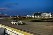 #11: Denny Hamlin, Joe Gibbs Racing, Toyota Camry FedEx Ground, #21: Paul Menard, Wood Brothers Racing, Ford Mustang Menards / Monster