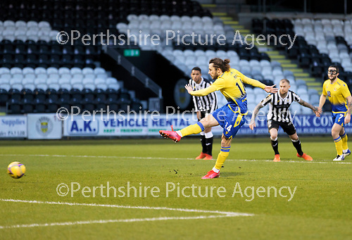 St Mirren v St Johnstone…19.12.20   St Mirren Park      SPFL<br />Stevie May convetrts the penalty<br />Picture by Graeme Hart.<br />Copyright Perthshire Picture Agency<br />Tel: 01738 623350  Mobile: 07990 594431
