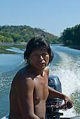 Pará State, Brazil. Rio Fresco river. Boatman Nopokaí Kayapó at the helm between Kikretum and Moikarako.