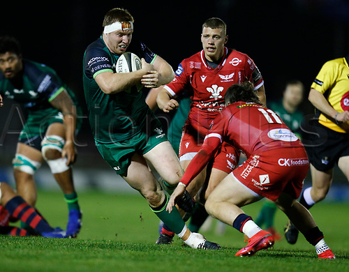 14th November 2020; Galway Sportsgrounds, Galway, Connacht, Ireland; Guinness Pro 14 Rugby, Connacht versus Scarlets; Shane Delahunt (Connacht) looks for a way past Steff Evans (Scarlets)