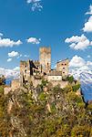 Italy, Alto Adige - Trentino (South Tyrol), Community Appiano sulla Strada del Vino: Appiano Castle, at background mountains of Texel Group (Gruppo Tessa) | Italien, Suedtirol, bei Bozen, Gemeinde Eppan: Schloss Hocheppan, im Hintergrund die Berge der Texelgruppe im Meraner Land