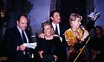 CARLO VERDONE CON NORI CORBUCCI CHRISTIAN DE SICA ED ENRICA BONACCORTI<br /> FESTA CORBUCCI AL CASTELLO DELLA CRESCENZA ROMA 1999