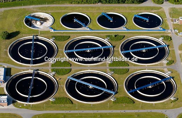 Deutschland, Schleswig- Holstein, Wedel, Abwasser, Klaeranlage, Wasser, Reinigung