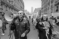- Parigi, manifestazione antinucleare (Giugno 1987)<br /> <br /> - Paris, anti-nuclear demonstration (June 1987)