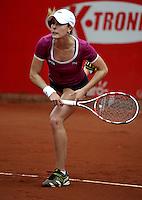BOGOTA - COLOMBIA - FEBRERO 18: Alize Cornet de Francia en acción durante partido por la Copa de Tenis WTA Bogotá, febrero 18 de 2013. (Foto: VizzorImage / Luis Ramírez / Staff). Alize Cornet from France in action during a match for the WTA Bogota Tennis Cup, on February 18, 2013, in Bogota, Colombia. (Photo: VizzorImage / Luis Ramirez / Staff)..........
