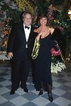 ELSA MARTINELLI COM MASSIMO GARGIA<br /> PREMIO THE BEST PARIGI 2002