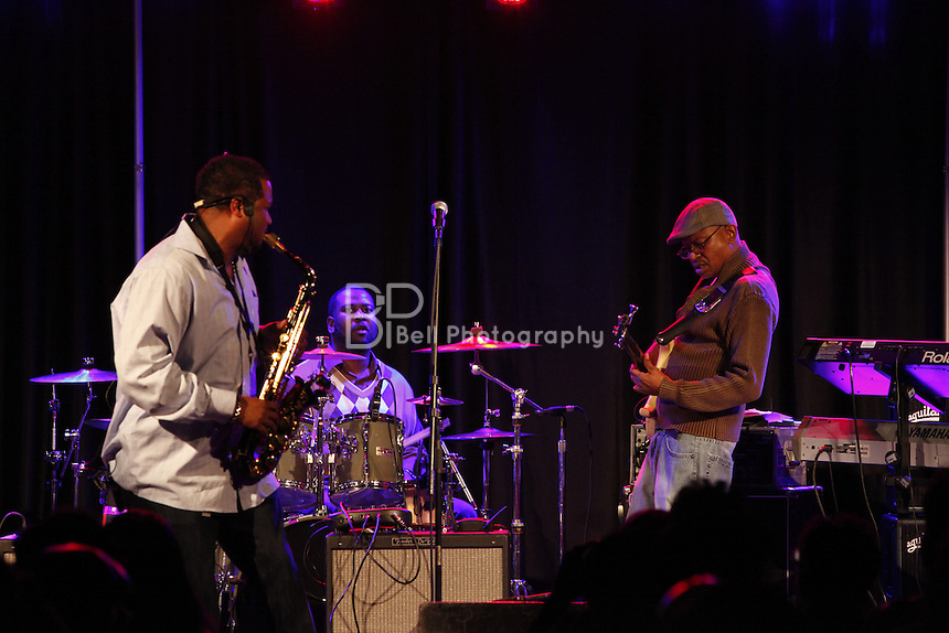 Saxophonist Dante Lewis and the band.