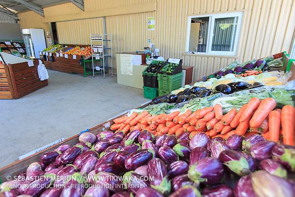 Point de vente de Kalinka Persan, exploitante maraîchère à Bourail