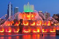 Buckingham Fountain (1927) at night; Chicago, IL