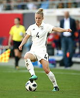 Leonie Maier      <br /> /   World Championships Qualifiers women women /  2017/2018 / 07.04.2018 / DFB National Team / GER Germany vs. Czech Republic CZE 180407048 / <br />  *** Local Caption *** © pixathlon<br /> Contact: +49-40-22 63 02 60 , info@pixathlon.de