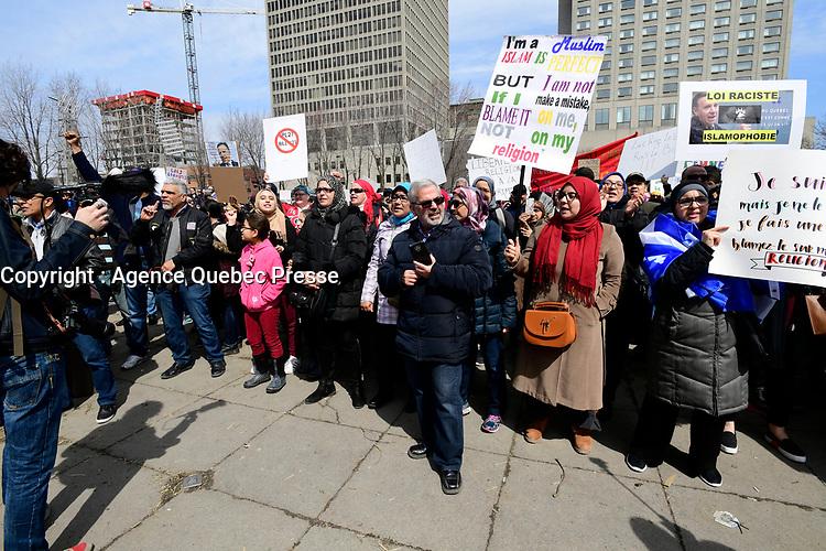 Manifestation contre la loi pro-laicite, le 7 avril 2019<br /> <br /> PHOTO : Agence Quebec Presse