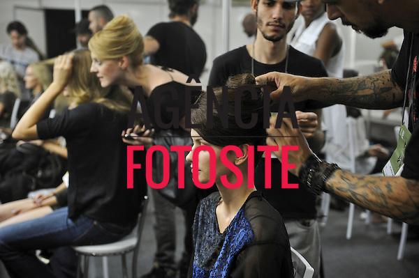 Foto: Gustavo Scatena/Agencia Fotosite<br /> <br /> Belo Horizonte, Brasil – 27/04/2012 -  Backstage do desfile da Aurea Prates durante o Minas Trend Preview  -  Verao 2013.