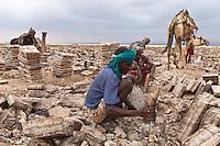 salt diggers in Dallol Ethiopa