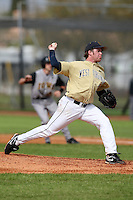 February 27, 2010:  Pitcher Andy Berry (7) of West Virginia Mountaineers during the Big East/Big 10 Challenge at Raymond Naimoli Complex in St. Petersburg, FL.  Photo By Mike Janes/Four Seam Images