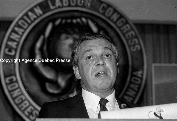 FILE PHOTO  - Canadian labour Congress - Conseil du Travail du  Canada convention, May 29,1984<br /> <br /> <br /> <br /> MANDATORY CREDIT <br /> PHOTO :  Pierre Roussel - Agence Quebec Presse