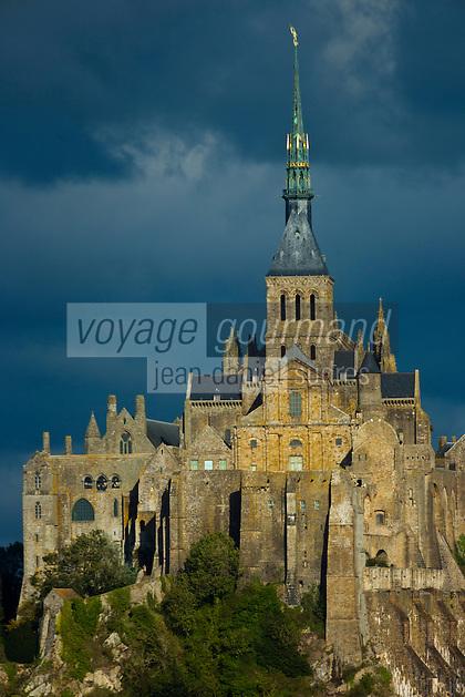 France, Manche (50), Baie du Mont-Saint-Michel, classée Patrimoine Mondial de l'UNESCO, le Mont-Saint-Michel, l'abbaye, //  France, Manche, Bay of Mont Saint Michel, listed as World Heritage by UNESCO, Mont Saint Michel, the Abbey,