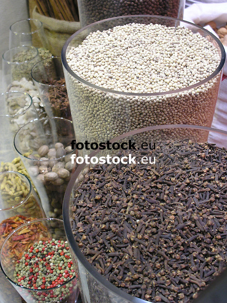 cloves, white pepper and other spices displayed in big glasses in the Especies Crespi shop in Palma de Majorca<br /> <br /> clavos, piemiento blanco y otras especias presented en vidrios grandes en la tienda Especies Crespi en Palma de Mallorca<br /> <br /> Gewürznelken, weißer Pfeffer und andere Gewürze in Gläsern dekoriert im Schaufenster des Gewürzladens Especies Crespi in Palma de Mallorca<br /> <br /> 2481 x 1860 px<br /> 150 dpi 42 x 31,50 cm<br /> 300 dpi 21 x 15,75 cm