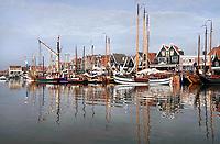 Nederland - Volendam - 2018.  De Pieperrace voor zeilschepen in Volendam. Boten liggen in de haven.   Foto Berlinda van Dam / Hollandse Hoogte