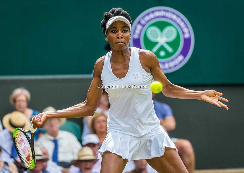 London, England, 10th July 2017. Tennis, Wimbledon. Venus Williams (USA). Photo Henk Koster, Tennis Images.