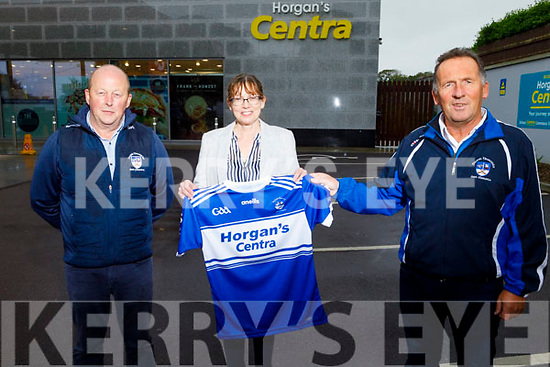 Brendan and Norrie Horgan of Horgan's Centra in Ardfert sponsoring jerseys to the St Brendans Hurling Club on Tuesday.<br /> Front l to r: Brendan and Norrie Horgan (Horgan's Centra) and Ger Hussey (Chairman St Brendan's Hurling Club)