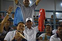 MONTERIA - COLOMBIA, 15-03-2018: Hinchas del Jaguares animan a su equipo durante partido entre Jaguares FC y América de Cali  por la fecha 8 de la Liga Aguila I 2018 jugado en el estadio Municipal de Monteria. / Fans of Jaguares cheer for their team during the match between Jaguares FC and America de Cali for the date 8 of the Liga Aguila I 2018 at the Municipal de Monteria Stadium in Monteria city. Photo: VizzorImage / Andres Felipe Lopez / Cont