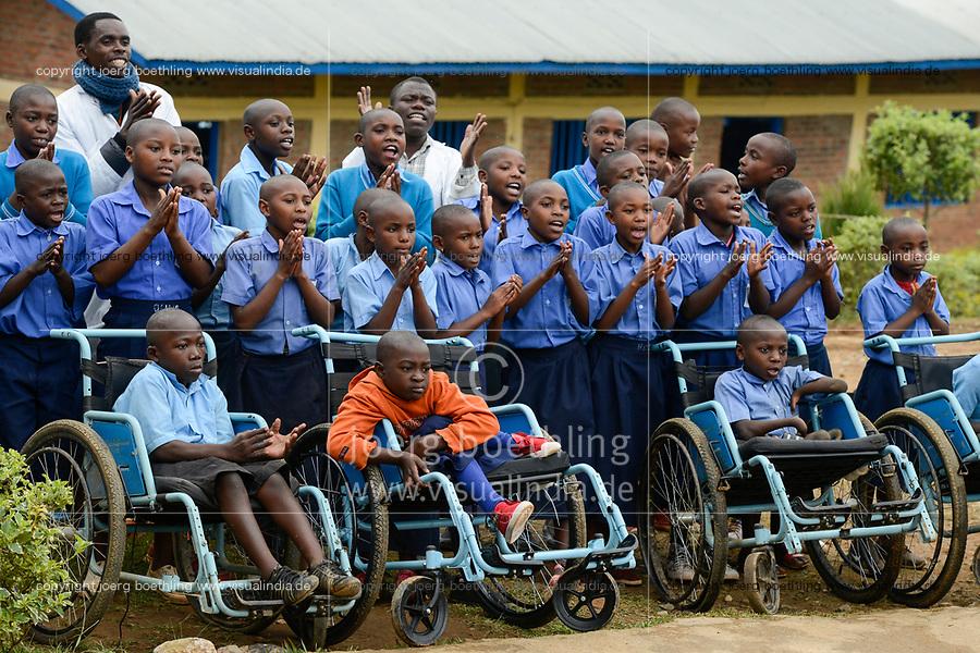 RWANDA, Musanze, Ruhengeri, village Janja, school for disabled children / RUANDA, Schule mit behinderten und nicht-behinderten Kindern