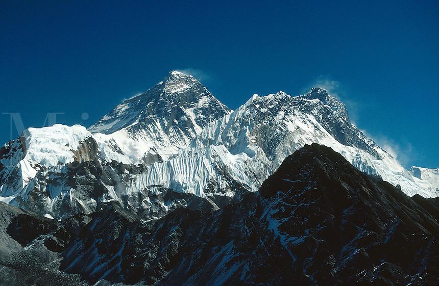 © David Paterson.The Everest group from Gokyo, with Everest (left), Nuptse and Lhotse. Nepal Himalaya..