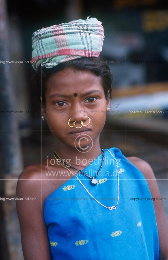 INDIA Andhra Pradesh, aid project for tribe Dongria Kondh in villages in Araku / INDIEN Andhra Pradesh, aid project of NGO Chaitanya Shravanthi from Visakhapatnam fuer Ureinwohner Dongria Kondh in Doerfern in Araku