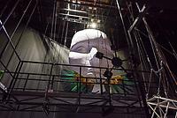 Der Friedrichstadtpalast in Berlin-Mitte wird unter Denkmalschutz gestellt.<br /> Der Senator fuer Kultur und Europa Dr. Klaus Lederer, Intendant Dr. Berndt Schmidt und Landeskonservator Dr. Christoph Rauhut gaben am Montag den 31. August 2020 im Show- und Revuetheater Friedrichstadtpalast bekannt, dass der letzte Repraesentationsbau der DDR vor der politischen Wende aus dem Jahr 1984 nun unter Denkmalschutz steht.<br /> Mitarbeiter des Hauses und Journalisten konnten sich anlaesslich der Verleihung des Denkmalschutz im Haus ein Bild von den Umbauarbeiten machen, die bis zum Ende des Jahres andauern. Im Januar 2020 ist die Wiedereroeffnung geplant.<br /> Im Bild: Kulisse aus der letzten Vorstellung vor der Schliessung anlaesslich der Covid 19-Pandemie.<br /> 31.8.2020, Berlin<br /> Copyright: Christian-Ditsch.de<br /> NUR FUER REDAKTIONELLE ZWECKE! Werbung nur auf Anfrage beim Fotografen. [Inhaltsveraendernde Manipulation des Fotos nur nach ausdruecklicher Genehmigung des Fotografen. Vereinbarungen ueber Abtretung von Persoenlichkeitsrechten/Model Release der abgebildeten Person/Personen liegen nicht vor. NO MODEL RELEASE! Don't publish without copyright Christian-Ditsch.de, Veroeffentlichung nur mit Fotografennennung, sowie gegen Honorar, MwSt. und Beleg. Konto: I N G - D i B a, IBAN DE58500105175400192269, BIC INGDDEFFXXX, Kontakt: post@christian-ditsch.de<br /> Bei der Bearbeitung der Dateiinformationen darf die Urheberkennzeichnung in den EXIF- und  IPTC-Daten nicht entfernt werden, diese sind in digitalen Medien nach §95c UrhG rechtlich geschuetzt. Der Urhebervermerk wird gemaess §13 UrhG verlangt.]
