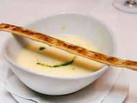 Kartoffelsuppe, Restaurant in Schloss Wartegg in Rohrschacherberg, Kanton Thurgau , Schweiz<br /> potatoe soup, Restaurant of castle Wartegg, Canton Thurgau, Switzerland