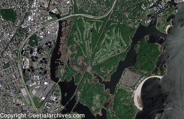 Aerial Photo Map of the Pelham/Split Rock Golf Course and the New England Throughway, Interstate I-95, and  Bronx Islands: Hunter Island, Twin Island, Chimney Sweeps Islands and High Island--right,<br /> Bronx, New York City, New York