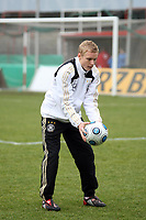Sebastian Rode (Offenbach)<br /> Deutschland vs. Finnland, U19-Junioren<br /> *** Local Caption *** Foto ist honorarpflichtig! zzgl. gesetzl. MwSt. Auf Anfrage in hoeherer Qualitaet/Aufloesung. Belegexemplar an: Marc Schueler, Am Ziegelfalltor 4, 64625 Bensheim, Tel. +49 (0) 151 11 65 49 88, www.gameday-mediaservices.de. Email: marc.schueler@gameday-mediaservices.de, Bankverbindung: Volksbank Bergstrasse, Kto.: 151297, BLZ: 50960101