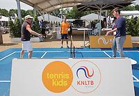 Den Bosch, Netherlands, 10 June, 2016, Tennis, Ricoh Open, KNLTB, volley challenge <br /> Photo: Henk Koster/tennisimages.com