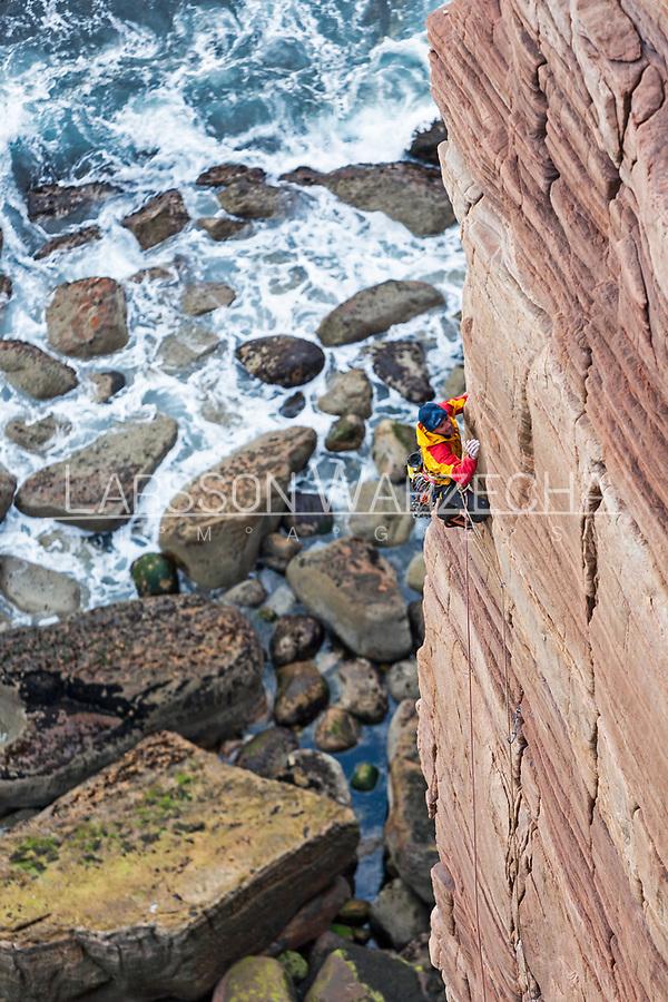 Dave Macleod on the 'Mucklehouse Wall' E5 6a, Hoy, Scotland