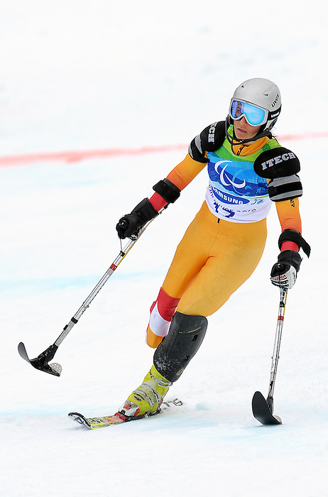 Melanie Shwartz, Vancouver 2010 - Para Alpine Skiing // Ski para-alpin.<br /> Melanie Shwartz competes in Para Alpine Skiing // Melanie Shwartz participe en ski para-alpin. 15/03/2010.