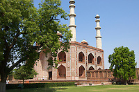 Sikandra, the last resting place of the Mughal Emperor Akbar, is only 13 kilometres from the Agra Fort in Agra.