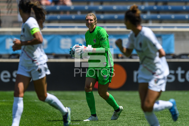 BRIDGEVIEW, IL - JUNE 5: Casey Murphy #1 of the North Carolina Courage holds the ball during a game between North Carolina Courage and Chicago Red Stars at SeatGeek Stadium on June 5, 2021 in Bridgeview, Illinois.