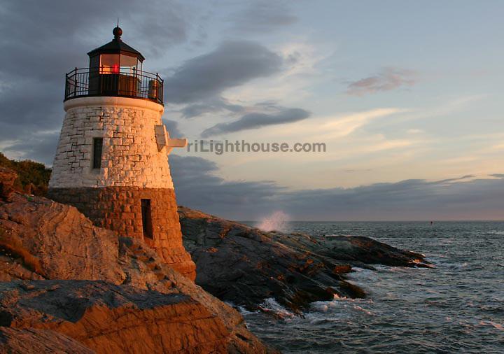 Waves crash at Castle Hill Lighthouse