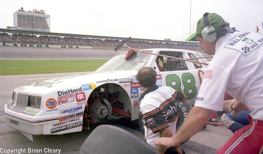 Buddy Baker pits pit stop 6th place finish Winston 500 at Alabama International Motor Speedway in Talladega , AL on May 5, 1985. (Photo by Brian Cleary/www.bcpix.com)