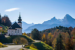 Deutschland, Bayern, Oberbayern, Berchtesgadener Land, Wallfahrtskirche Maria Gern, Schoenfeldspitze und der Watzmann | Germany, Upper Bavaria, Berchtesgadener Land, pilgrimage church Maria Gern and Watzmann mountains