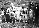 Iraq 1963  <br /> In  Betwata, left Anwar Beg Betwata Khoshnaw with Mustafa Barzani and Saleh Miran,a Khoshnaw of Shaklawa and children  <br /> Irak 1963 <br /> A Betwata, a gauche Anwar Beg Betwata Khoshnaw avec Mustafa Barzani et Saleh Miran, un Khoshnaw de Shaklawa et des enfants