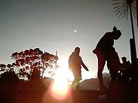 BOGOTA -COLOMBIA , 15- 01-    2018.Deportistas hacen ejercicios de estiramiento al terminar el ascenso en el Santuario de Monserrate a 3200 metros de altura sobre el nivel del mar./ Athletes do stretching exercises at the end of the ascent in the Sanctuary of Monserrate at 3200 meters above sea level . Photo: VizzorImage / Felipe Caicedo / Staff