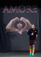 Calcio, Europa League: Roma vs Astra Giurgiu. Roma, stadio Olimpico, 29 settembre 2016.<br /> Roma's Francesco Totti arrives to warm up before to the start of the Europa League Group E soccer match between Roma and Astra Giurgiu at Rome's Olympic stadium, 29 September 2016. Roma won 4-0.<br /> UPDATE IMAGES PRESS/Isabella Bonotto