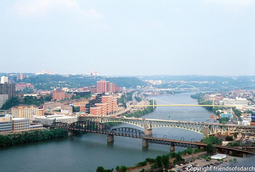 Pittsburgh: Panorama. Photo 2001.