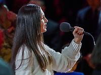 Die 14-jährige Carolina Luis singt die Nationalhymne - 22.01.2020: Miami Heat vs. Washington Wizards, American Airlines Arena